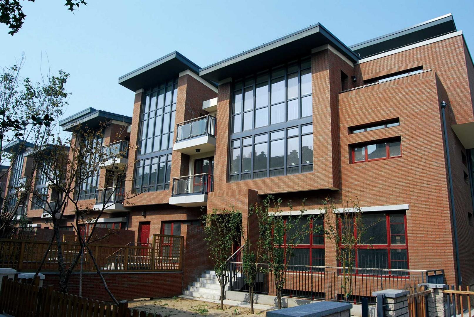 Клинкерная плитка на фасаде домов и коттеджей